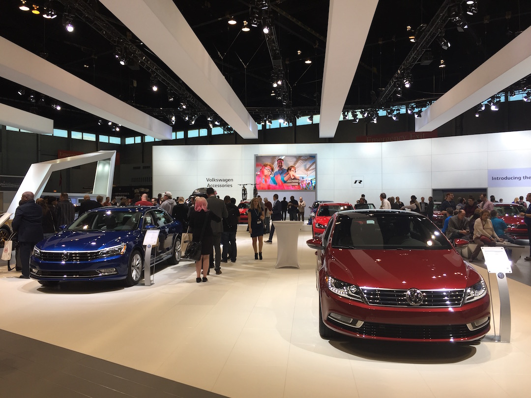 Apple CarPlay and Autonomous Driving Features Big at 2016 Chicago Auto Show